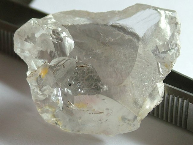 710ct diamond from Tchikapa River, DRC by A van der Westhuisen