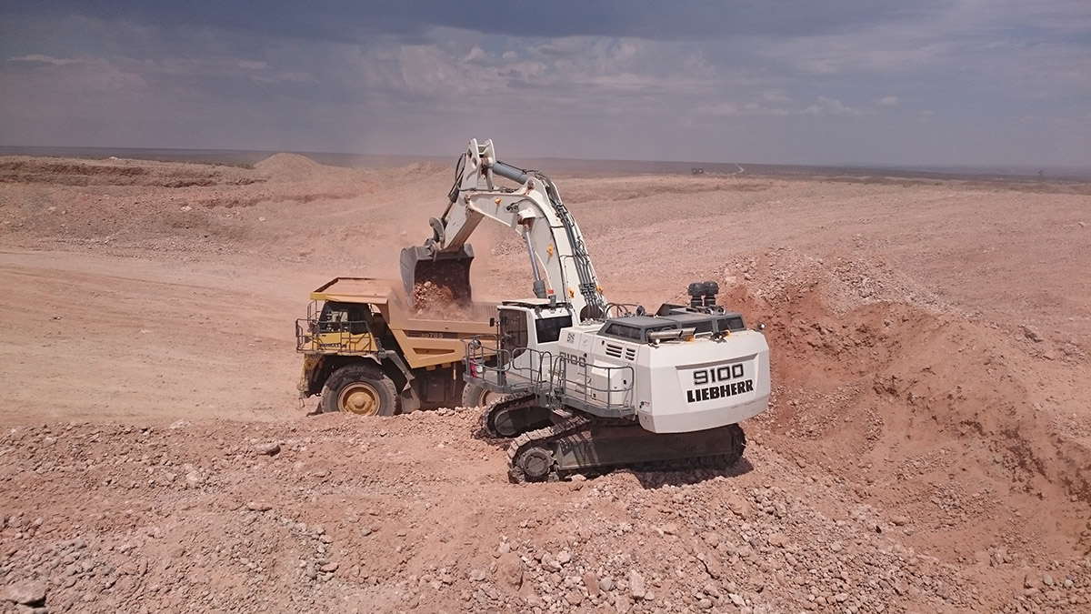 Excavating Aluvial Gravels by CML Mining